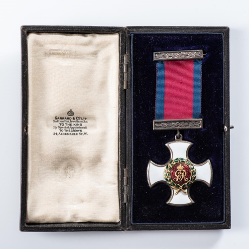 26 - DISTINGUISHED SERVICE ORDER (DSO) GEORGE, IN BOX OF ISSUE, COMPLETE WITH ORIGINAL RIBBON AND TOP BAR...