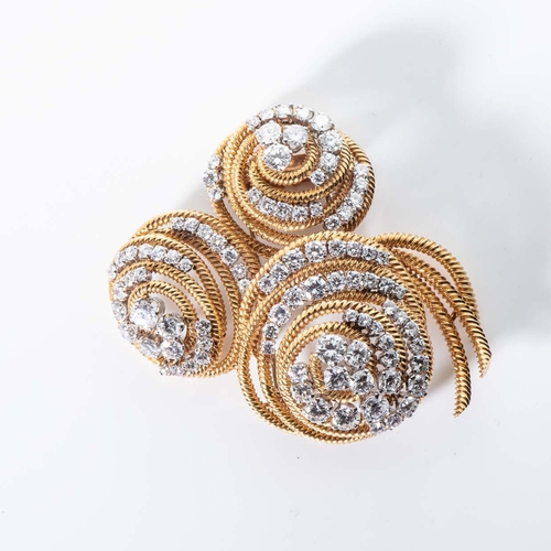 A DIAMOND CLIP/BROOCH, VAN CLEEF AND ARPELS