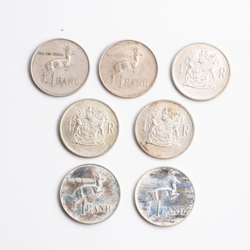 20 - A COLLECTION OF SOUTH AFRICAN R1 SILVER AND NICKEL COINS Various years, weight approximately 254 gra...