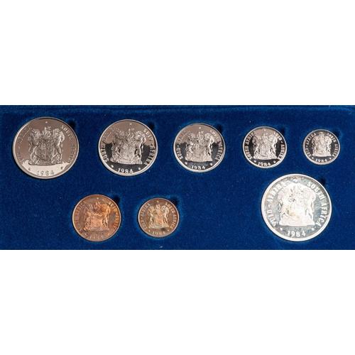 6 - A SA MINT SHORT PROOF SET,1984 Blue leather box full set...