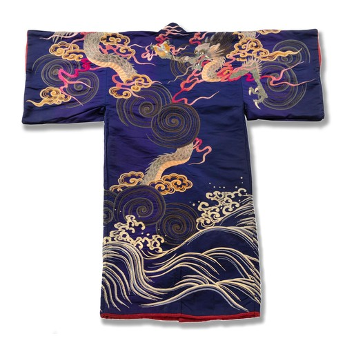 1004 - A JAPANESE EMBROIDERED 'DRAGON' ROBE, MEIJI PERIOD, 1868 - 1912