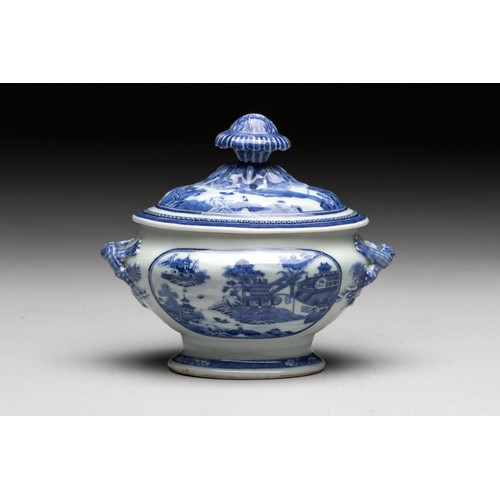 986 - A CHINESE BLUE AND WHITE 'VILLAGE HAMLET' TUREEN AND COVER, QING DYNASTY, 18TH CENTURY