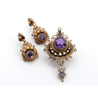 A VICTORIAN AMETHYST, PEARL AND ENAMEL BROOCH/PENDANT AND MATCHING PENDANT EARRINGS