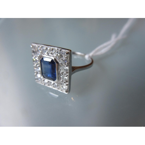 1050 - 18ct White gold ring set sapphire and diamonds in Art Deco style...