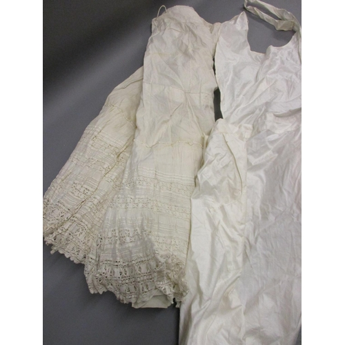 39 - Late 19th / early 20th Century lacework underskirt and an apron...