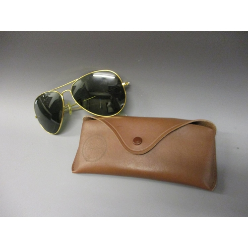 41 - Pair of Ray-Ban Aviator sunglasses with Ray-Ban carrying case...