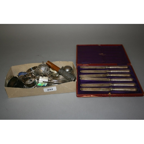 892 - Cased set of six silver handled tea knives, silver parasol handle together with a small quantity of ...