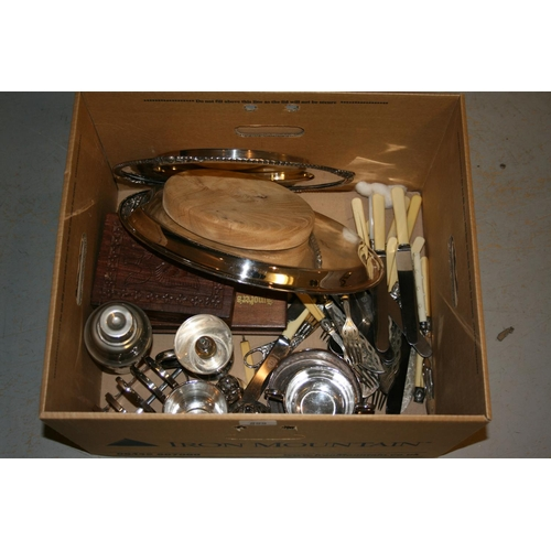 899 - Circular plated bread stand and a large quantity of other miscellaneous plated items...