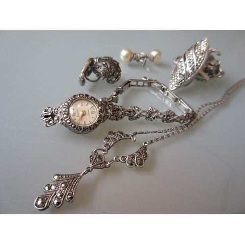 898 - Quantity of 1920's and 30's marcasite and silver jewellery...