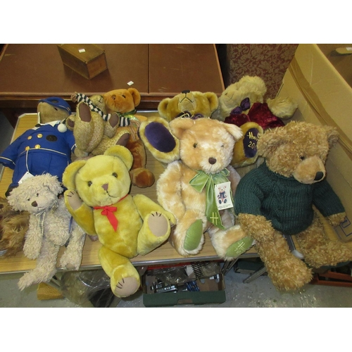 123 - Collection of modern mainly Harrods teddy bears...