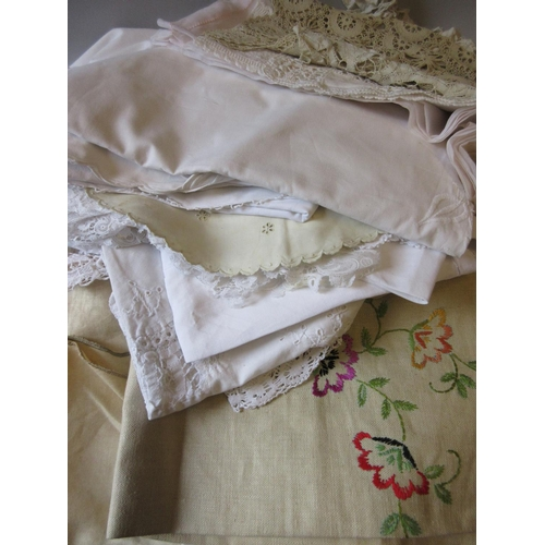 21 - Quantity of lace, drawn thread work and other table linen etc together with a pair of framed silkwor...