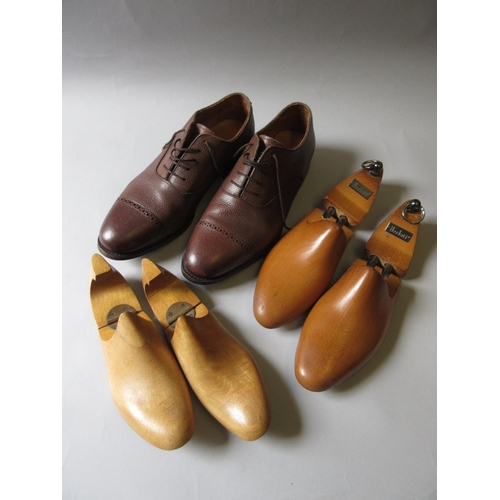 43 - Meermin, pair of good quality gentleman's leather shoes, a pair of Berluti wooden trees and another ...