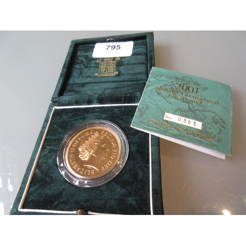 795 - 2001 Proof five pound gold coin...