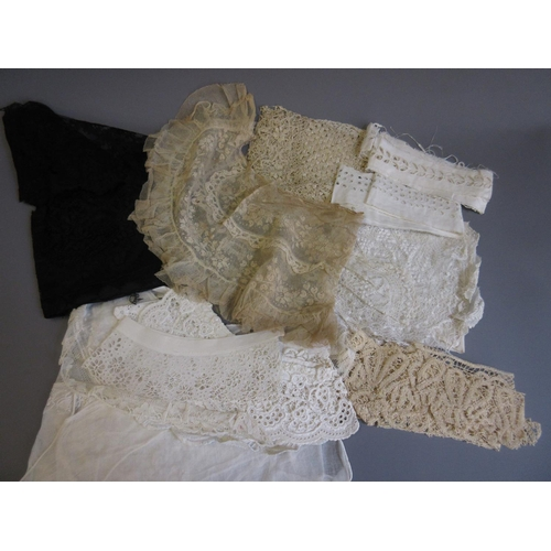 38 - Quantity of lace collars and other trimmings...