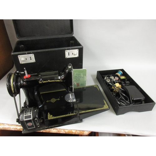 100 - Singer Featherweight model 221K1 sewing machine in original case with lift-out tray...