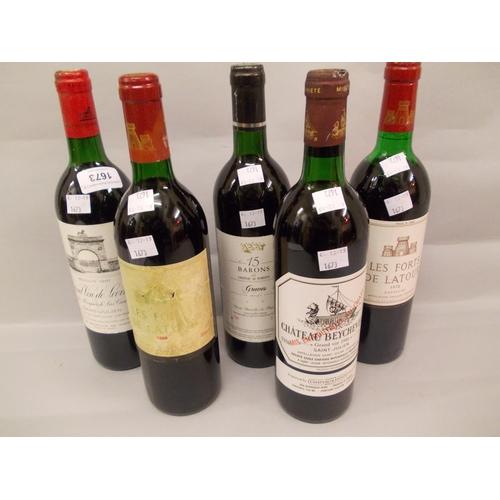 1673 - One bottle Recolte 1991 Graves Loeville, one bottle 15 Barons Chateau de Portets Saint Julien 1992, ...