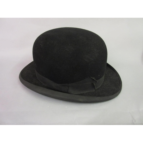 26 - Harry Hall, Regent Street, gentleman's bowler hat...