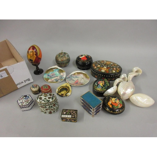 75 - Small group of enamel and other trinket boxes, two oriental painted shells and other miniature items...