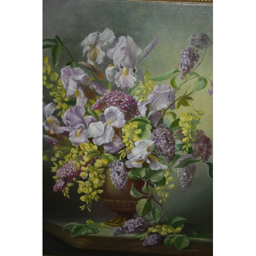 1318 - Victor Hernandez, 20th Century oil on canvas, still life vase of flowers, 19.5ins x 15.5ins, framed...
