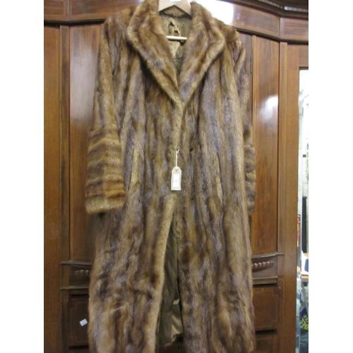 17 - Ladies three quarter length mid brown mink fur coat...