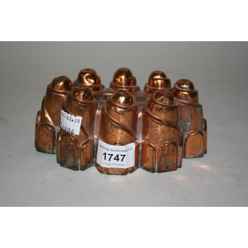 1747 - 19th Century castellated copper jelly mould...