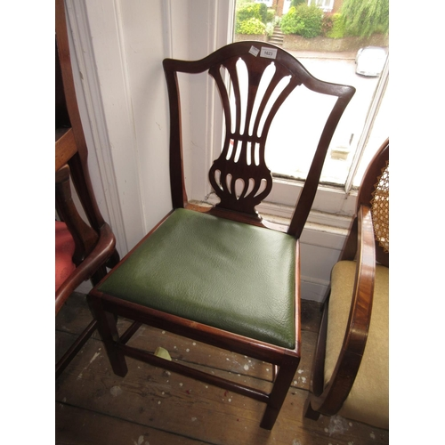 1623 - Pair of George III mahogany side chairs with pierced splat backs and drop-in seats, together with a ...