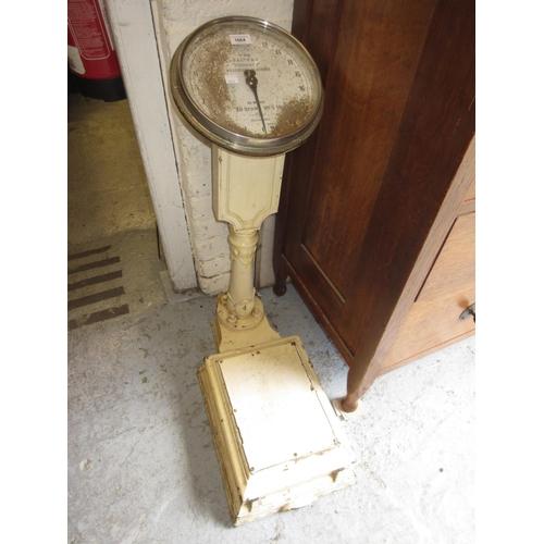 1664 - Cream painted iron Salters, No. 216 compact weighing machine...