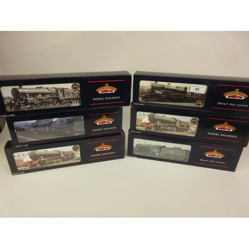 44 - Group of six Bachmann 00 gauge locomotives, 2-6-0 Crab, 13098, LMS Crimson (32-175), V2 60834 BR bla...