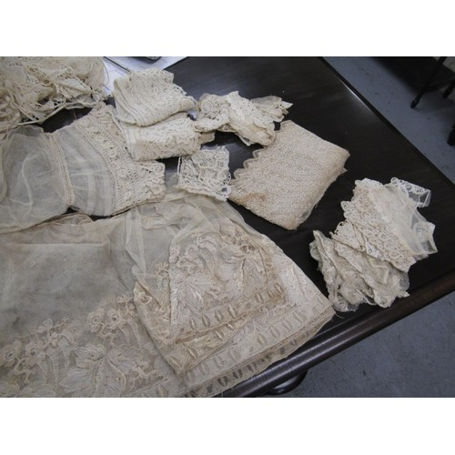 14 - Quantity of various antique lace and crochet work including Brussels and Honiton trimmings...