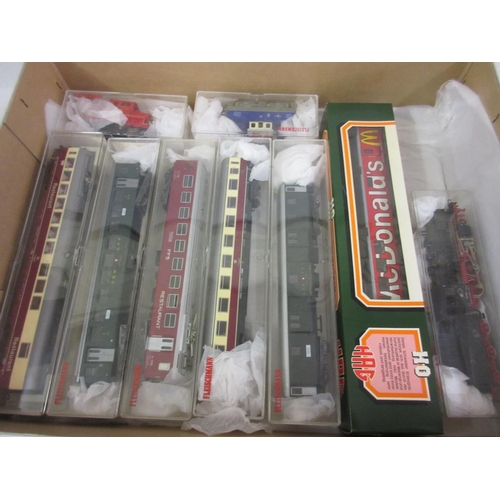 136 - Quantity of Dublo gauge model railway, mainly Fleischman, including: locomotives, rolling stock, tra...