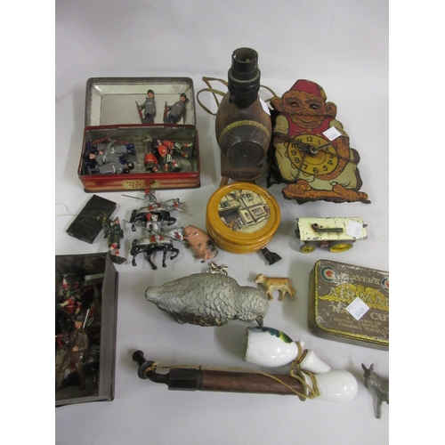 168 - Small collection of various early 20th Century cold painted toy soldiers and miscellaneous other ite...