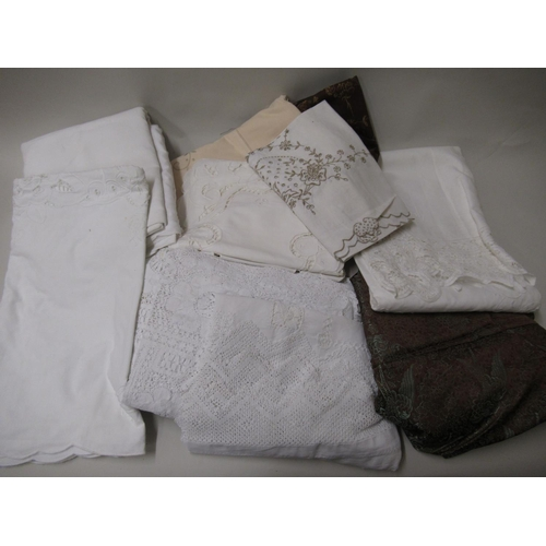 26 - Bag containing a quantity of various table linen etc....