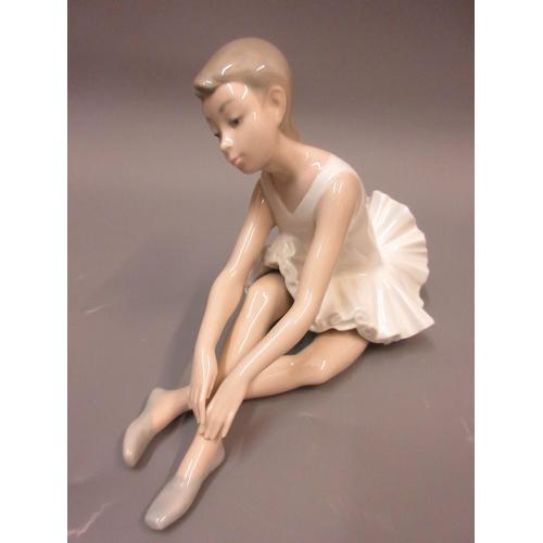 494 - Group of three Nao figures of ballerinas