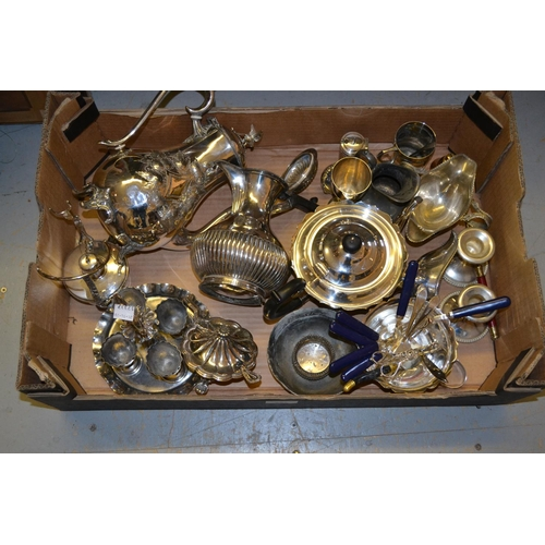 651 - Quantity of miscellaneous silver plate...