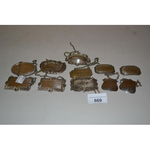 669 - Quantity of silver plated brandy, sherry and wine labels etc....