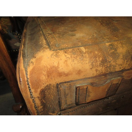 2137 - 19th Century American Haskell Brothers, Chicago, leather carriage trunk having tooled decoration wit...