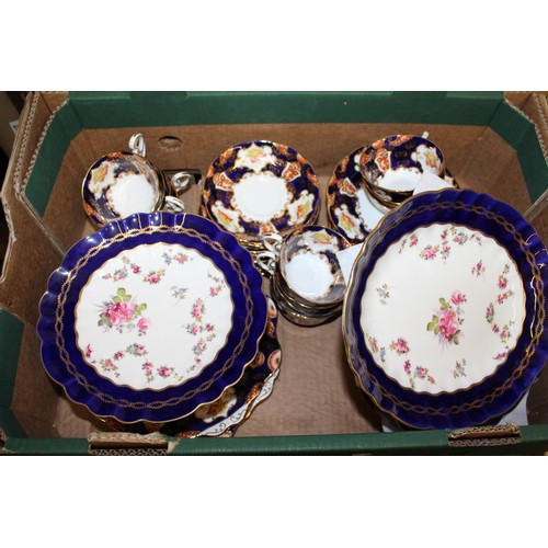 444A - Royal Albert twelve place setting tea service decorated in Imari colours, together a floral decorate...
