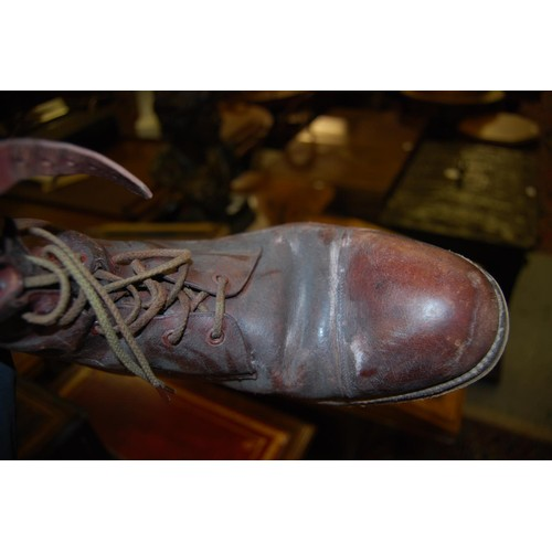 34 - Pair of early 20th Century brown leather riding boots...
