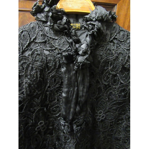 46 - Victorian ladies black cape labelled E. Francis & Sons, Leamington Spa