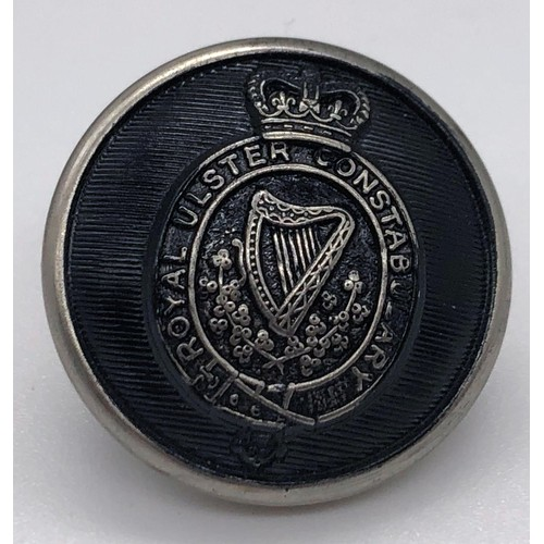 30 - A single Royal Ulster Constabulary tunic button; 20mm diameter