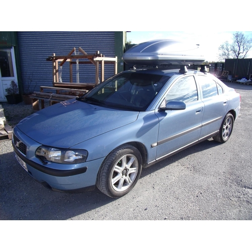 260 - Blue 54 plate 2ltr petrol Volvo S60 ST 4 door saloon with roof bars and top box, MOT until 21st Nov ...
