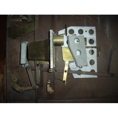 24 - Vintage wooden cased penny slot machine (55cm x 76cm x 16.5cm)...