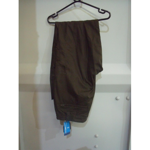 34 - Brand new ex-shop stock Seeland trousers - size 56 (35 inch)...