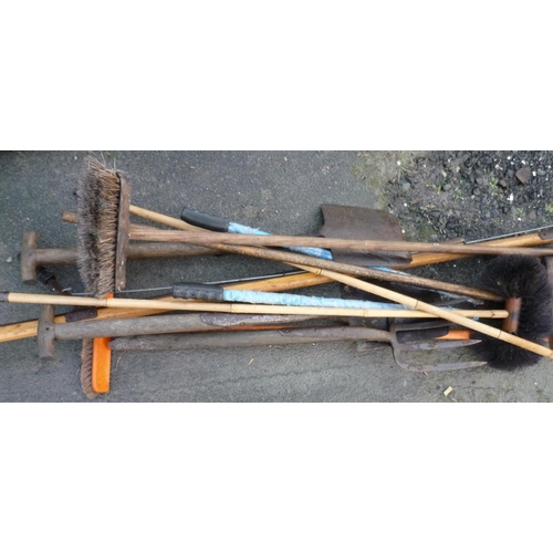 1 - Small selection of garden tools...