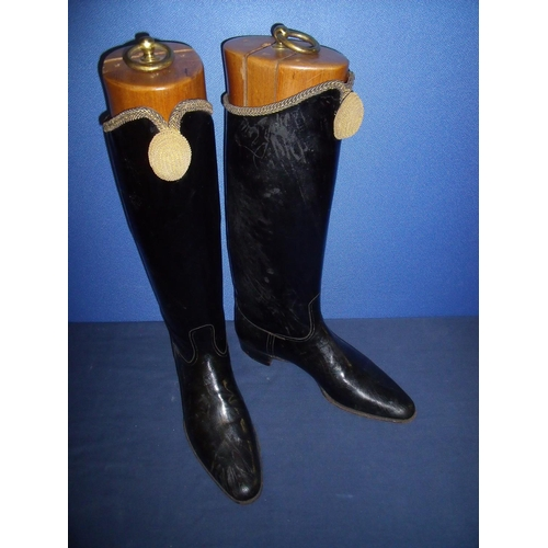 42 - Pair of Yeomanry Hussars black leather boots with V shaped fronts mounted with gilt knot & braided t...