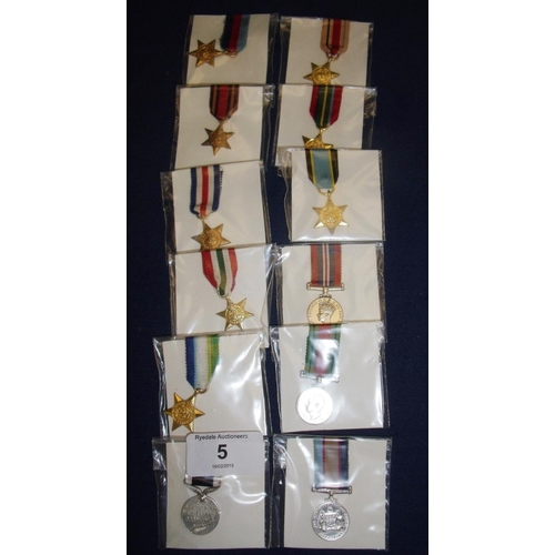 5 - Complete group of WWII miniatures including some re-issues, including 39-45 Star, France & Germany S...