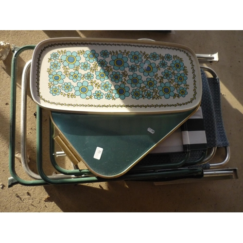 14 - Two serving trays and two folding garden chairs...