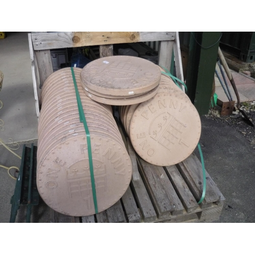 29 - Pallet of garden stepping stones in the shape of a penny (30)...