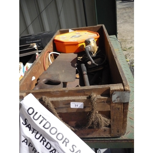 31 - Wooden box containing various tools etc including saws and a Black & Decker sander...