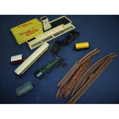 116 - Selection of train TT gauge model railway items including Pullman carriages, station, ballast track,...